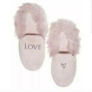 VS Limited edition pink slippers with pink fauxfur